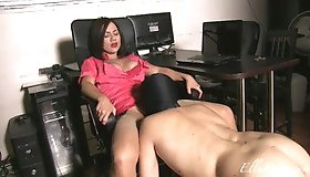 Putting My Oral Sex Slave to Use!(WMV Full Hd 1080p Format)